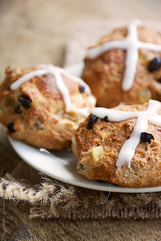Hot cross buns by Harald Walker for Stocksy United