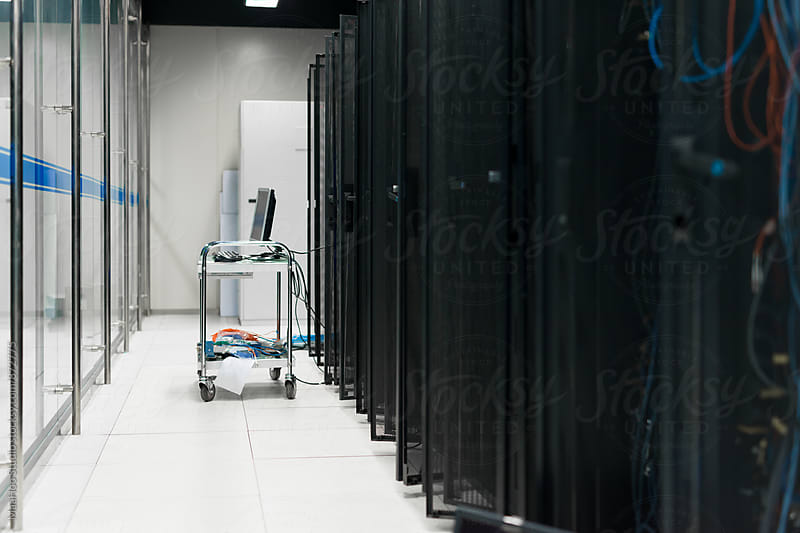 Moving cart in datacenter by MaaHoo Studio for Stocksy United