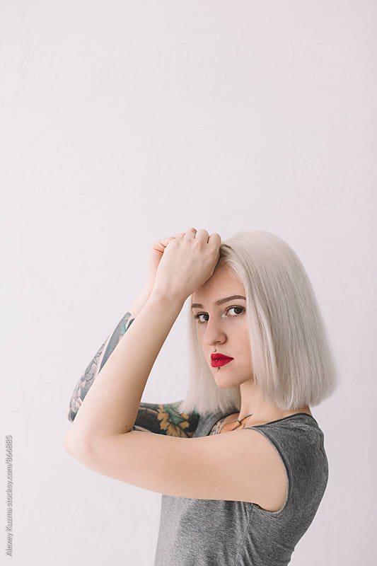 portrait of young woman  by Vesna for Stocksy United