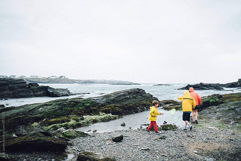 kids on the sea side by Léa Jones for Stocksy United