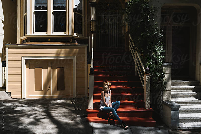 Young woman in San francisco by Simone Becchetti for Stocksy United