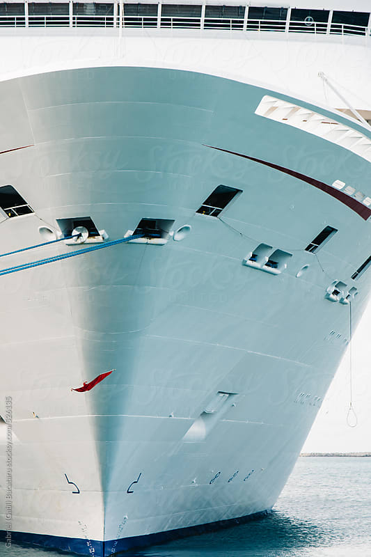 Fore of a cruise ship in a harbor by Gabriel (Gabi) Bucataru for Stocksy United