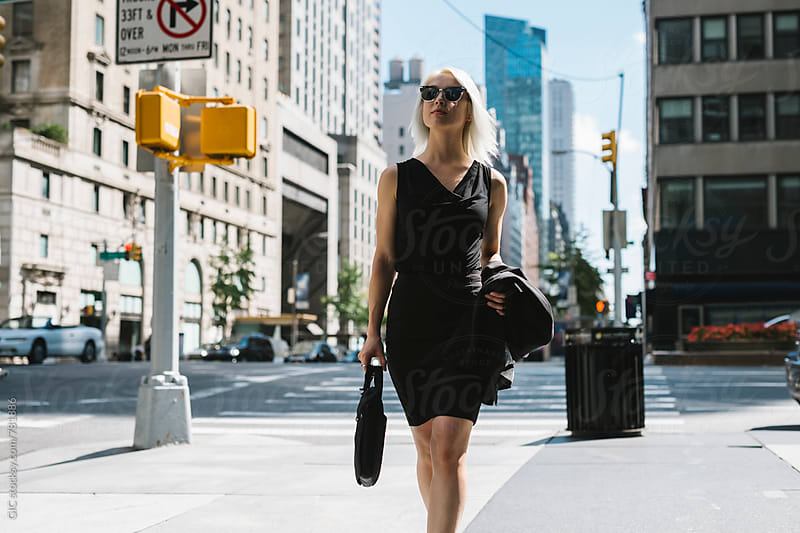 Stylish businesswoman in NY by Simone Becchetti for Stocksy United