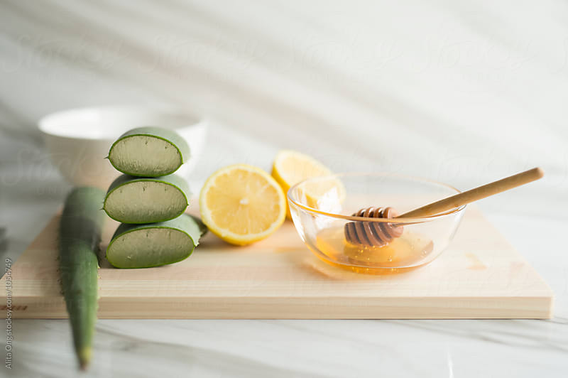 Aloe vera, honey and lemon by Alita Ong for Stocksy United