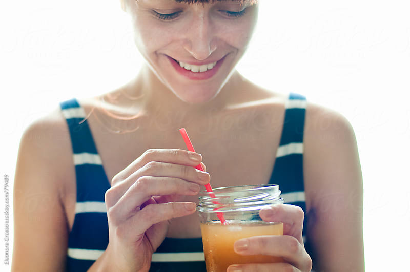 Peach tea in summertime by Eleonora Grasso for Stocksy United