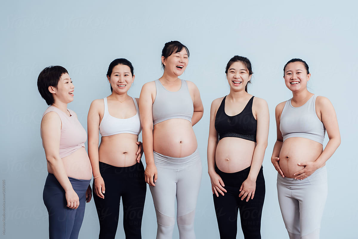 Portrait of group pregnant women by MaaHoo Studio - Pregnant ...