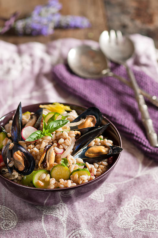 spelt salad with mussels by Laura Adani for Stocksy United