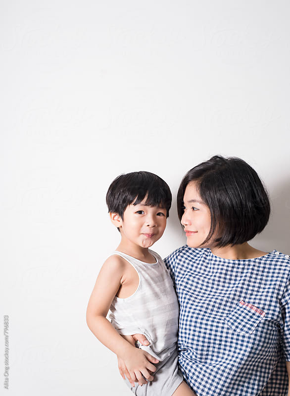 Mum and toddler by Alita Ong for Stocksy United