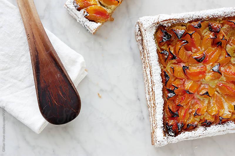 peach tart by Gillian Vann for Stocksy United