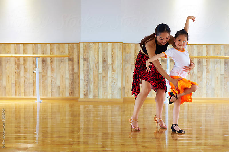 dancing teacher teach kid dance
