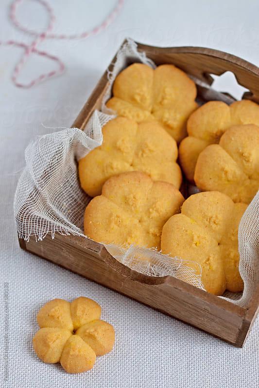 Shortbread cookies with saffron by Federica Di Marcello for Stocksy United