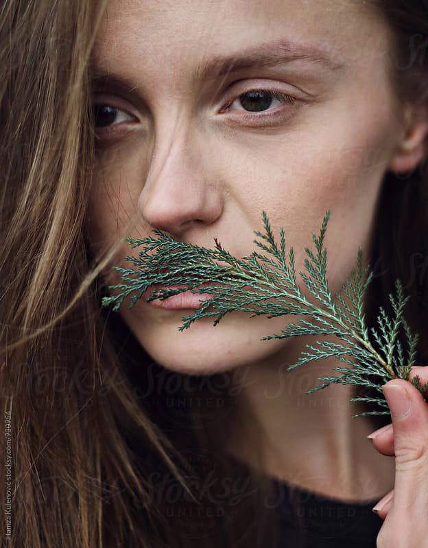 Natural skin portrait by Hamza Kulenović for Stocksy United