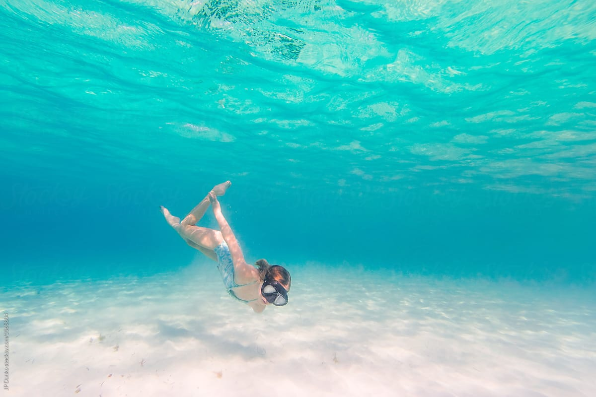 Little Girl Diving Underwater Swimming At All Inclusive -4558