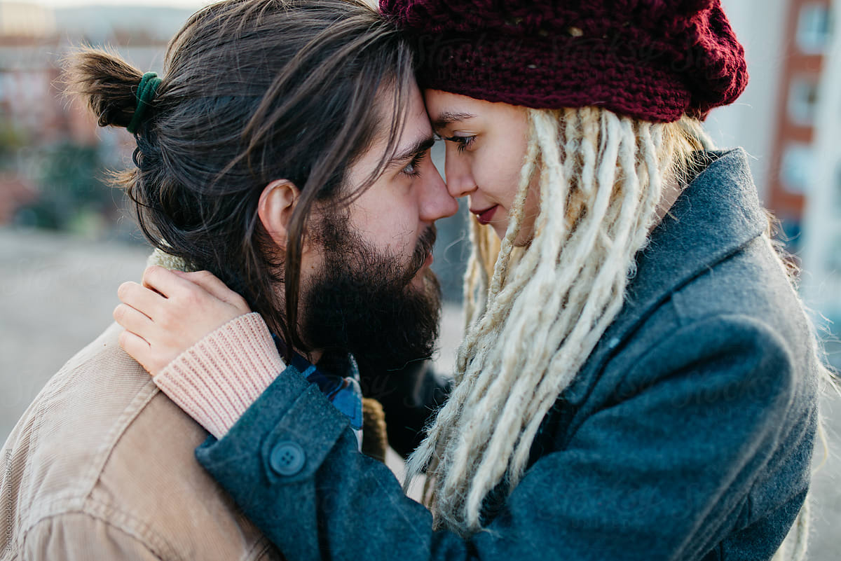 Couple - Girl with Dreadlocks and her Boyfriend. Beautiful young blonde ... 3a87549986c9