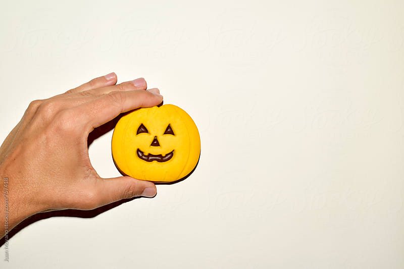 jack-o-lantern cookie by juan moyano for Stocksy United