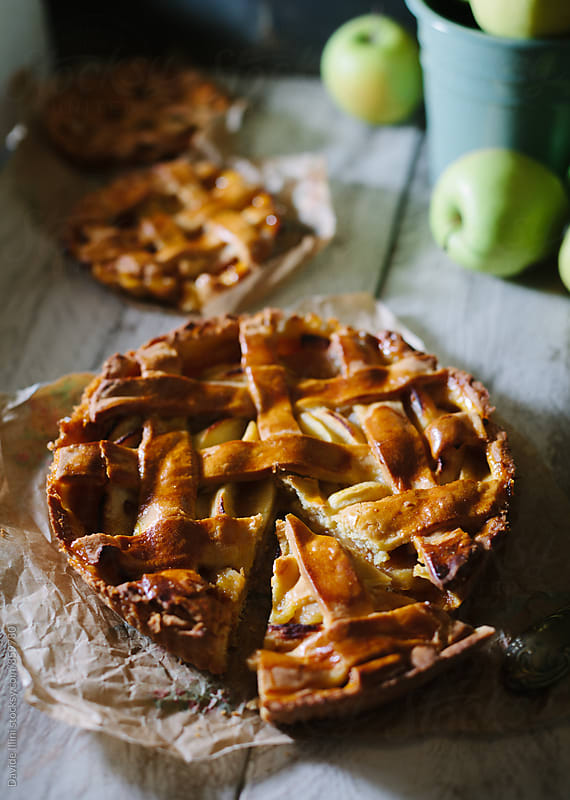 Apple tart by Davide Illini for Stocksy United