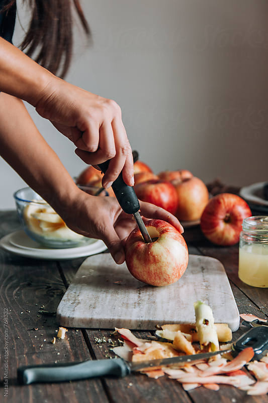 Cutting apples by Nataša Mandić for Stocksy United