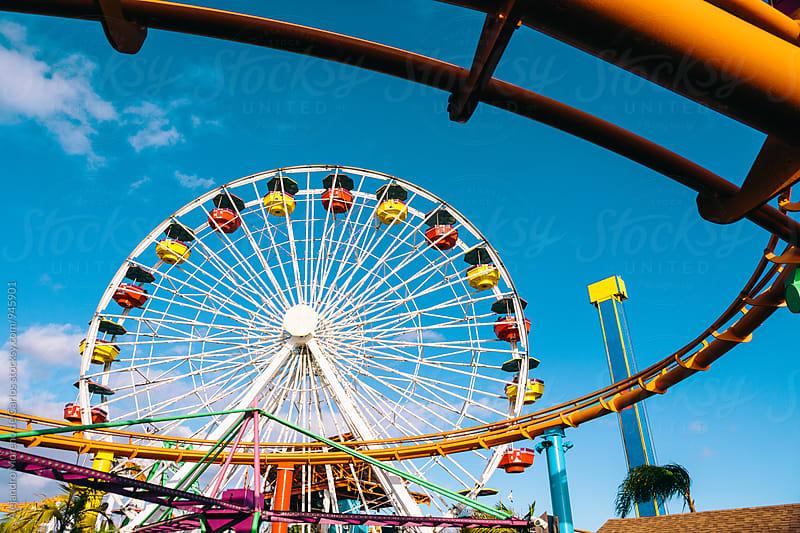 View of ferris wheel in a fair by Alejandro Moreno de Carlos for Stocksy United
