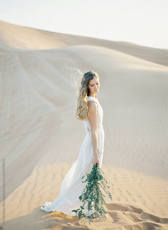 Desert Bride in Exotic Dubai by Vicki Grafton Photography for Stocksy United
