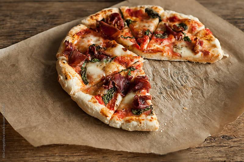 Traditional Neapolitan Pizza by Alie Lengyelova for Stocksy United
