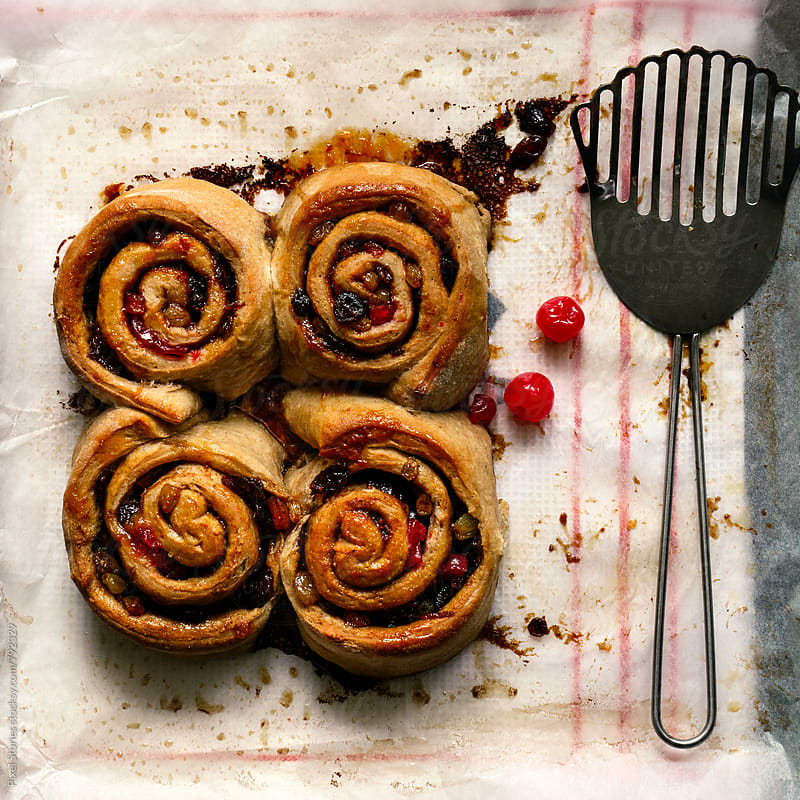 Christmas cinnamon rolls by Pixel Stories for Stocksy United