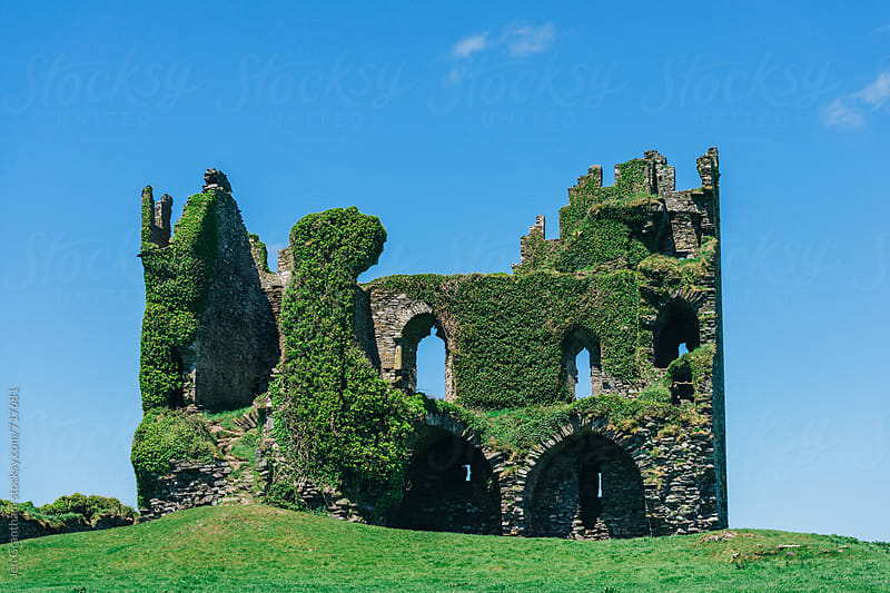 Ballycarbery Castle by Jen Grantham for Stocksy United
