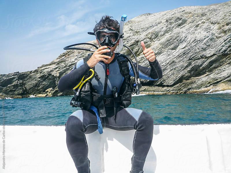 Scuba diver prepared for diving by Alejandro Moreno de Carlos for Stocksy United