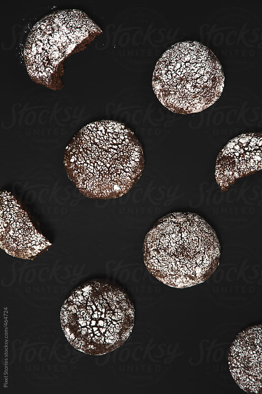 Dark chocolate ginger honey crack cookies by Pixel Stories for Stocksy United