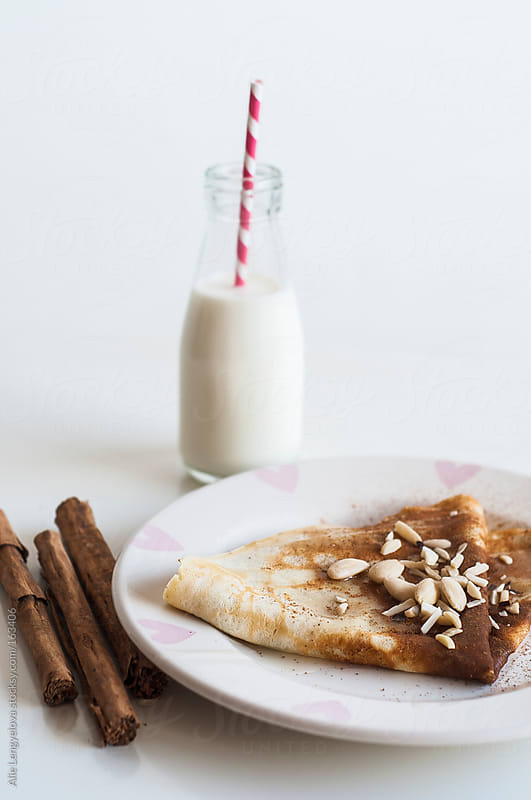 Pancakes with Almonds by Alie Lengyelova for Stocksy United