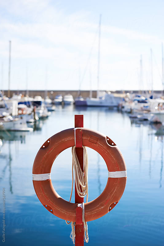 Detail of a rubber ring in a Marina by Guille Faingold for Stocksy United