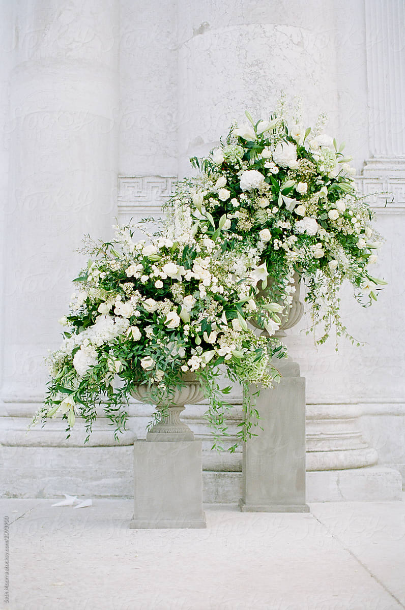 Overgrown green + White Wedding Ceremony Flowers in Vases by Seth Mourra for Stocksy United & Overgrown Green + White Wedding Ceremony Flowers In Vases | Stocksy ...