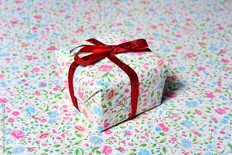 gift by juan moyano for Stocksy United