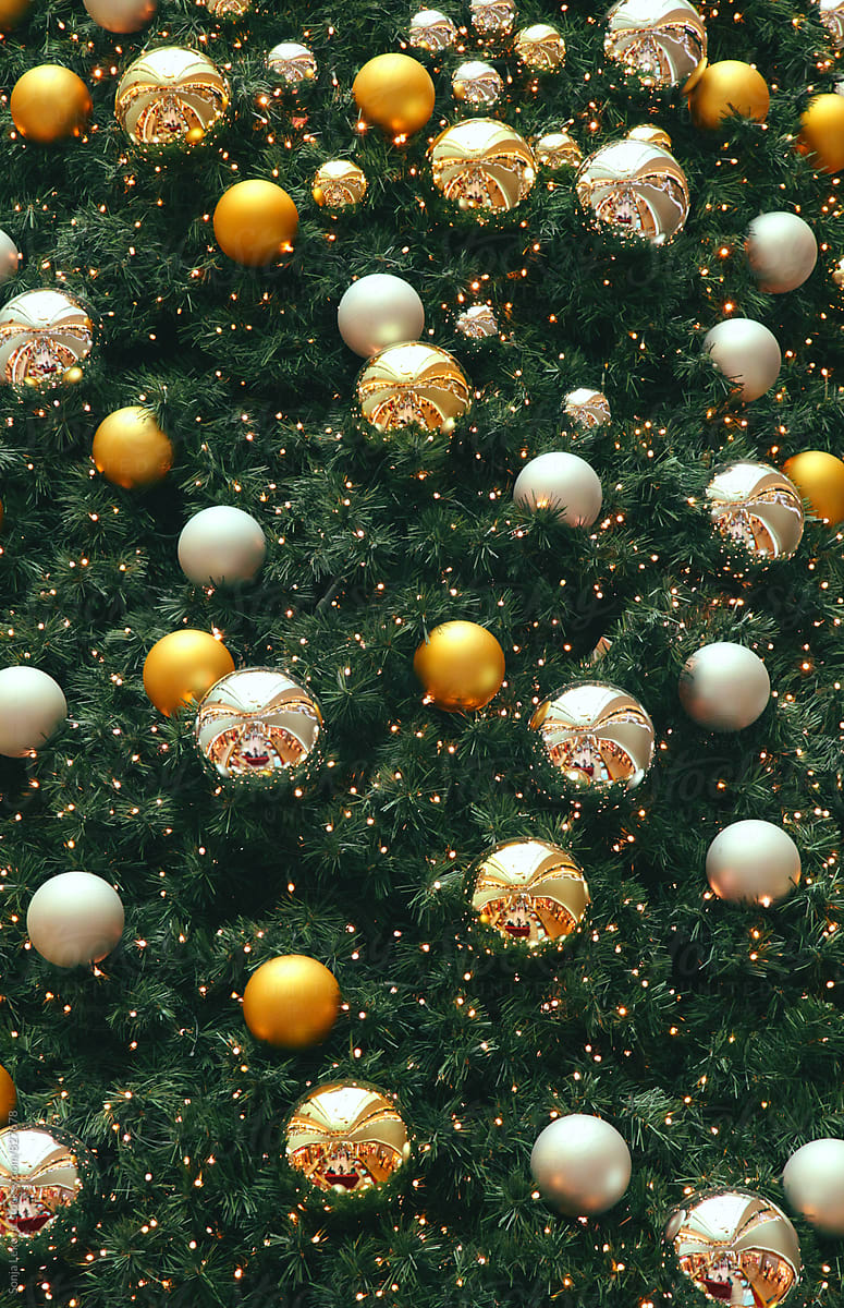 Christmas Tree With Yellow Decorations Background By Sonja