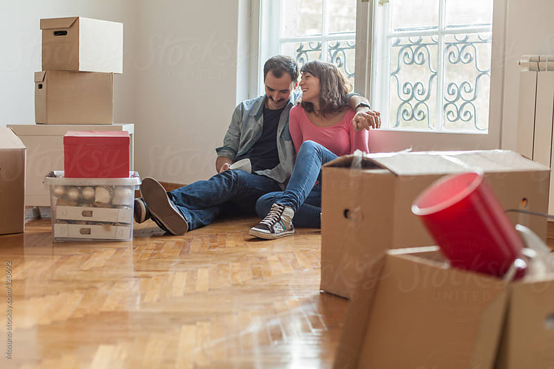 Couple Moving Into Their New House by Mosuno for Stocksy United