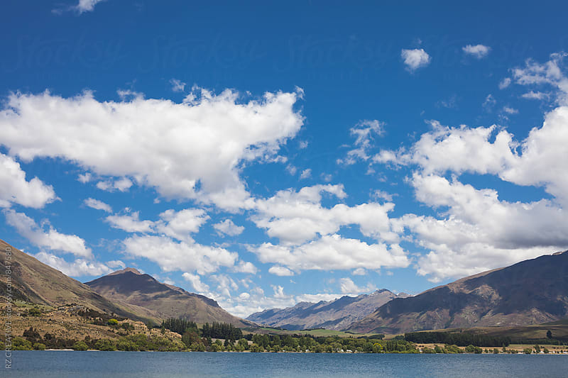 Beautiful landscape in the south island of New Zealand. by RZ CREATIVE for Stocksy United