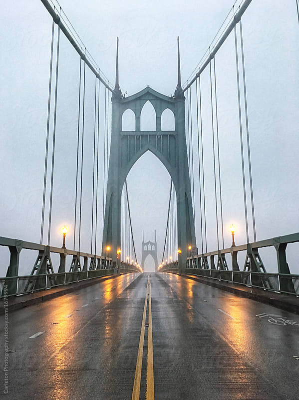 St Johns Bridge in Portland on a foggy morning in October