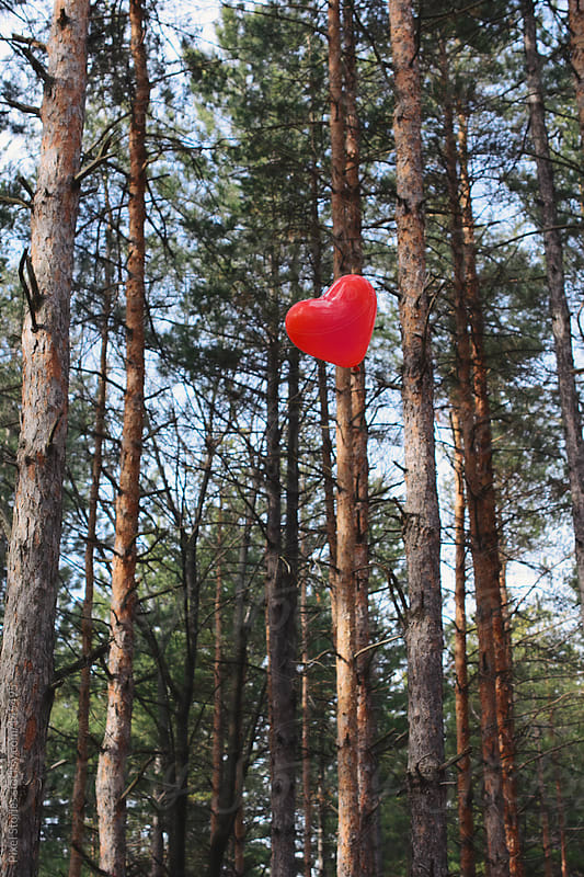 Heart-shaped balloon by Pixel Stories for Stocksy United