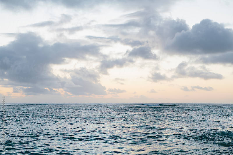 Ocean and sky at dusk, North Shore, Oahu, Hawaii by Paul Edmondson for Stocksy United