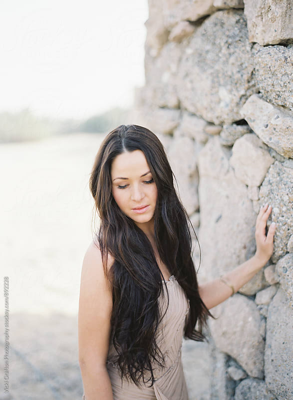 Dubai Desert Bride  by Vicki Grafton Photography for Stocksy United