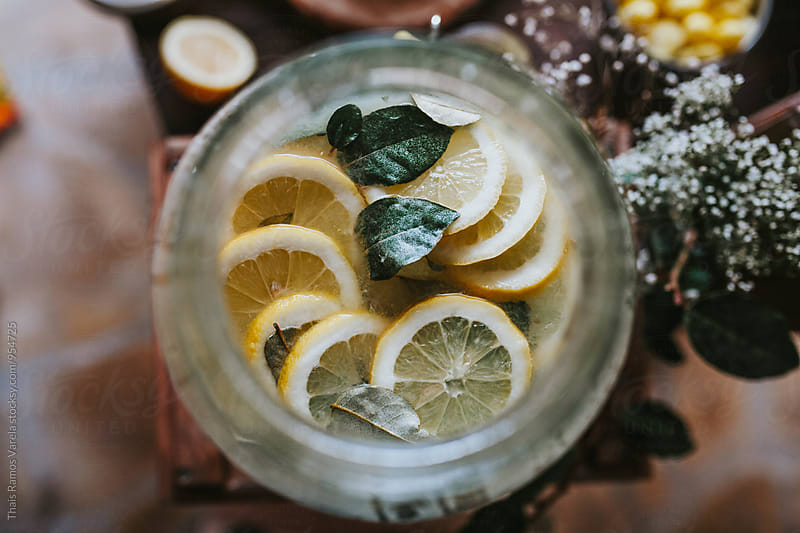 homemade lemonade by Thais Ramos Varela for Stocksy United