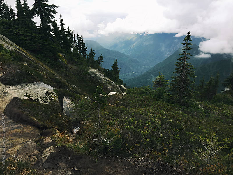 Alpine Mountain Hike in the Washington Cascades by michelle edmonds for Stocksy United