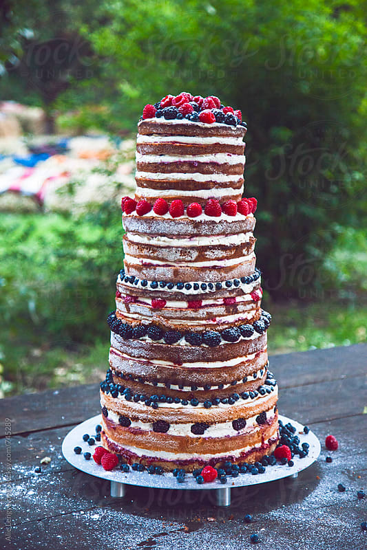 Beautiful Wedding Cake by Alie Lengyelova for Stocksy United