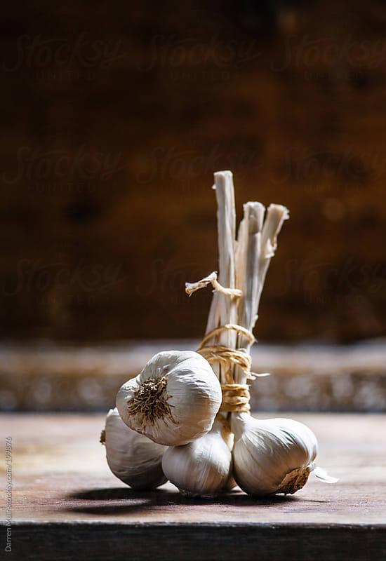 Garlic grappe.  by Darren Muir for Stocksy United