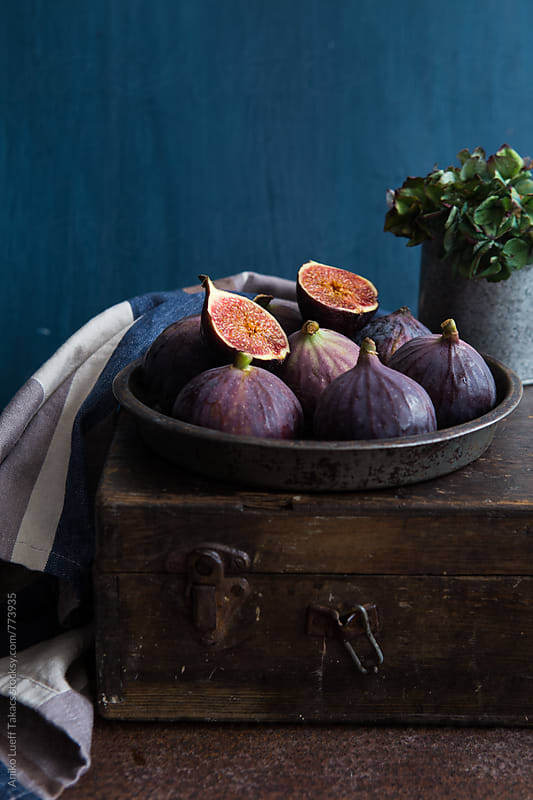 Fresh figs by Aniko Lueff Takacs for Stocksy United