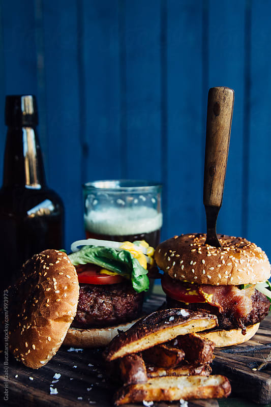 Beef burgers by Gabriel (Gabi) Bucataru for Stocksy United