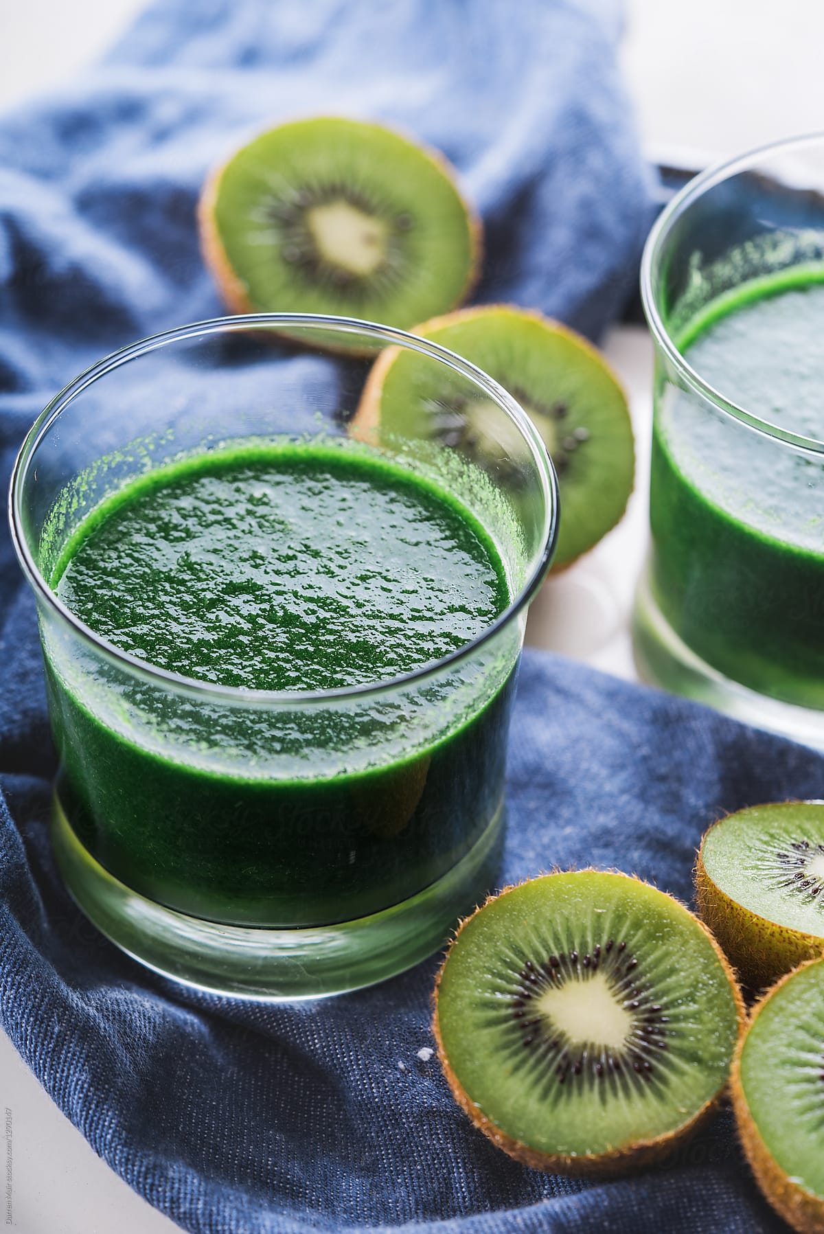 homemade green smoothie detox drink