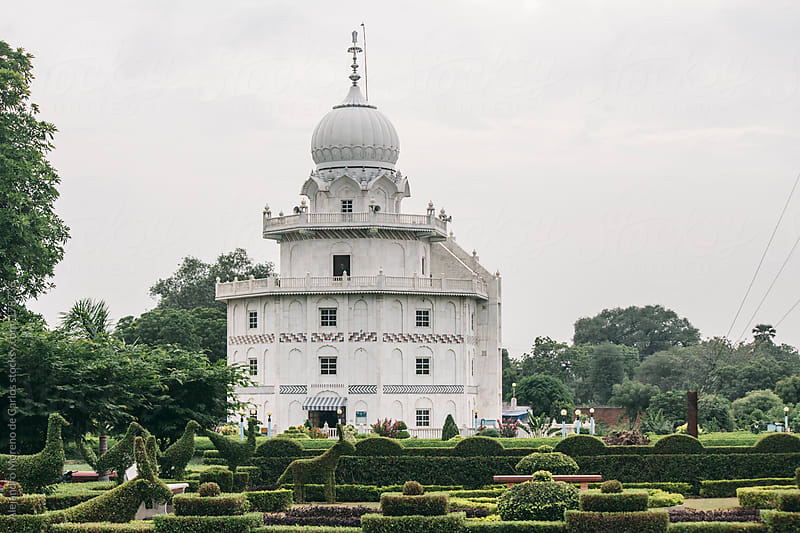 Sikh white building and gardens, Agra, India by Alejandro Moreno de Carlos for Stocksy United