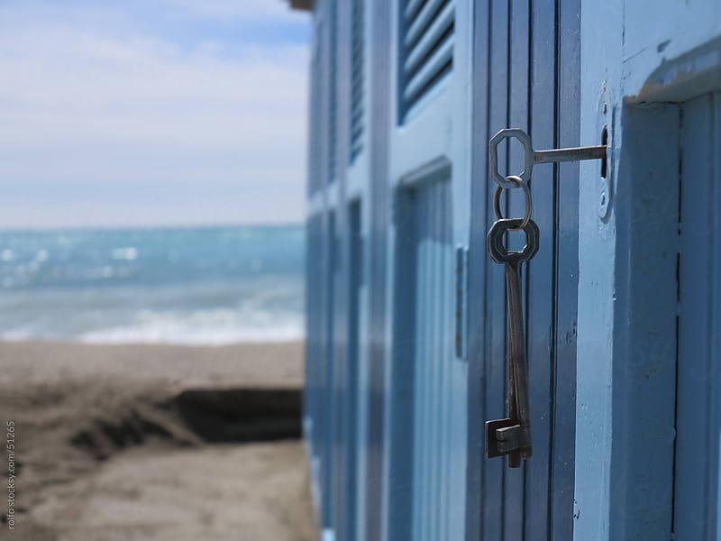 key lock beach sand ocean by rolfo for Stocksy United