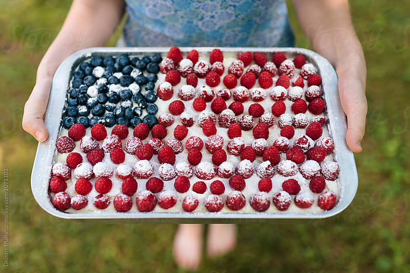 cake decorated like an American flag