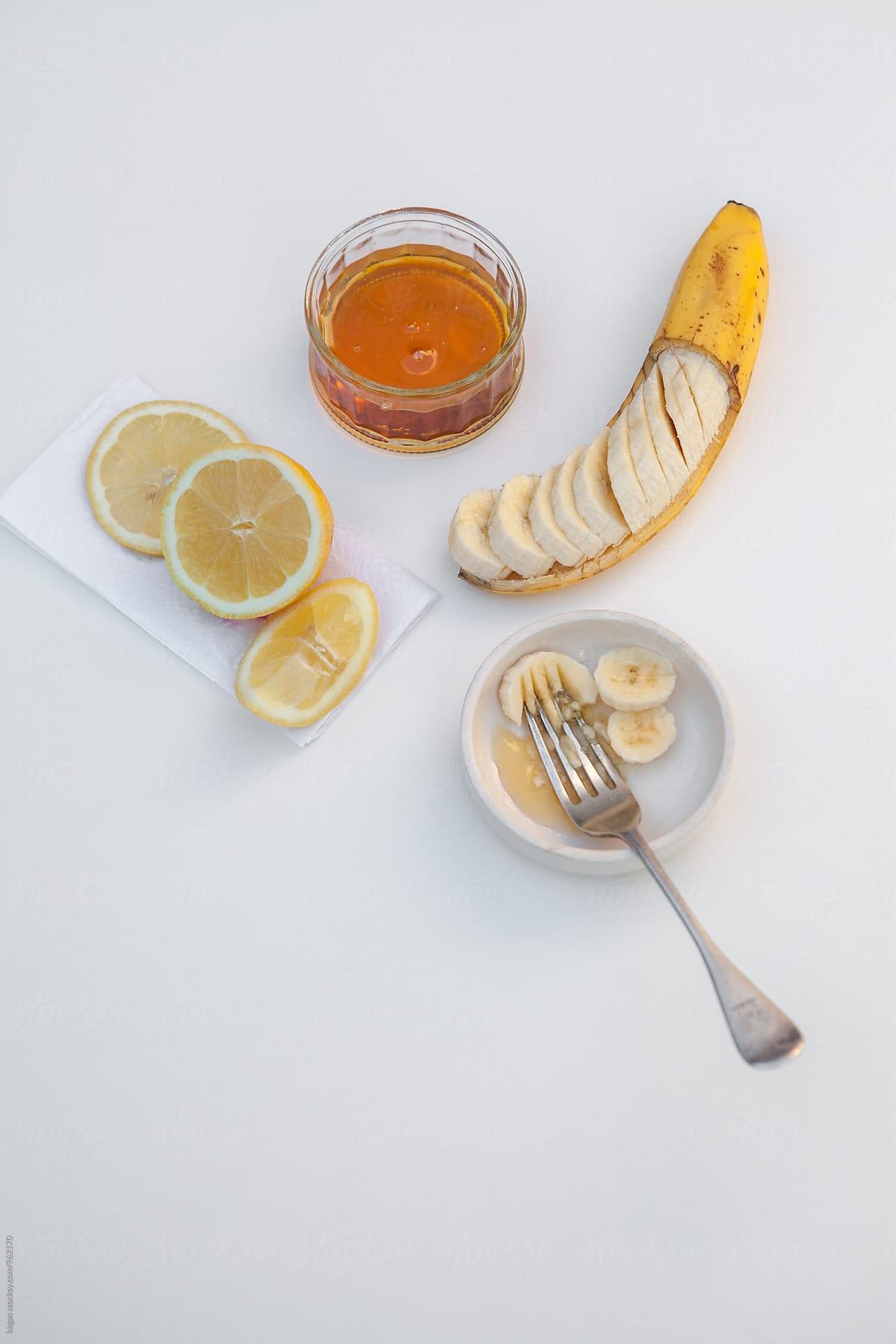 Banana honey mask